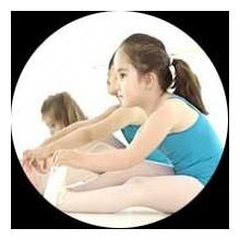 Escuela de Pre ballet y ballet clásico para niños y niñas de 3 a 4 años de edad